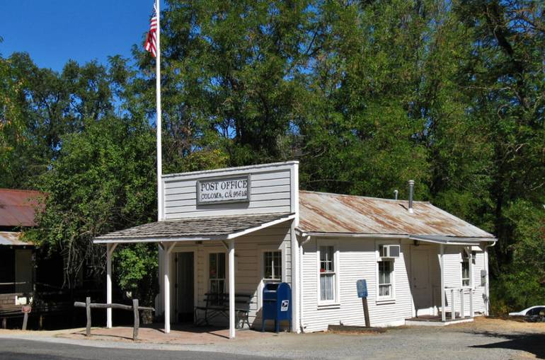 Coloma Post Office