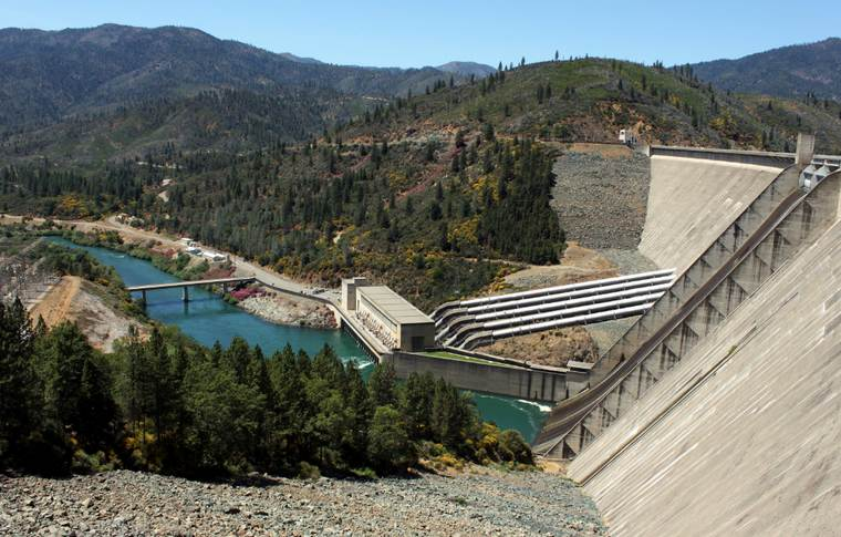Lake Shasta Dam