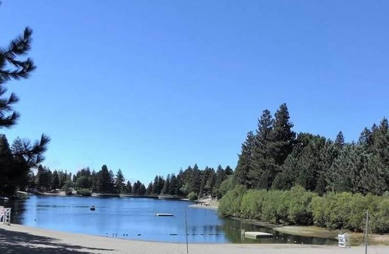 Green Valley Lake i