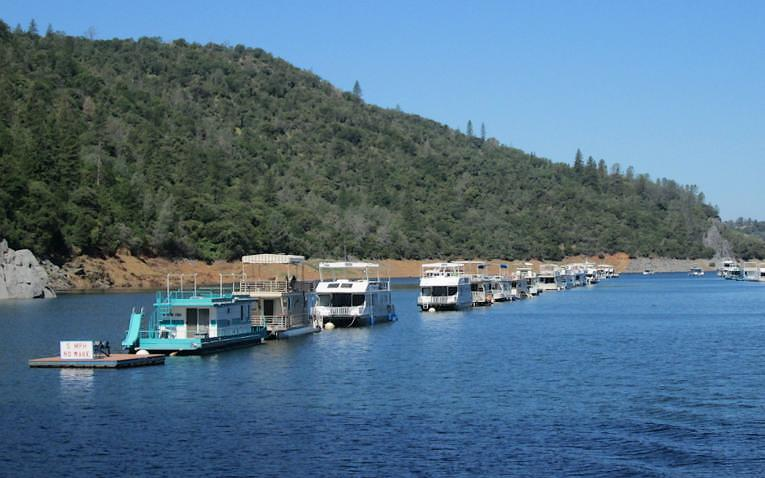 Lake Oroville Houseboats
