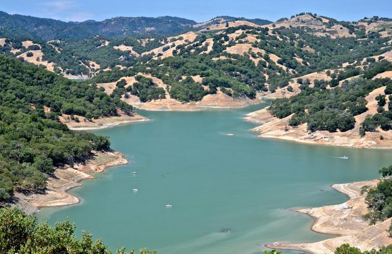 lake-sonoma-california