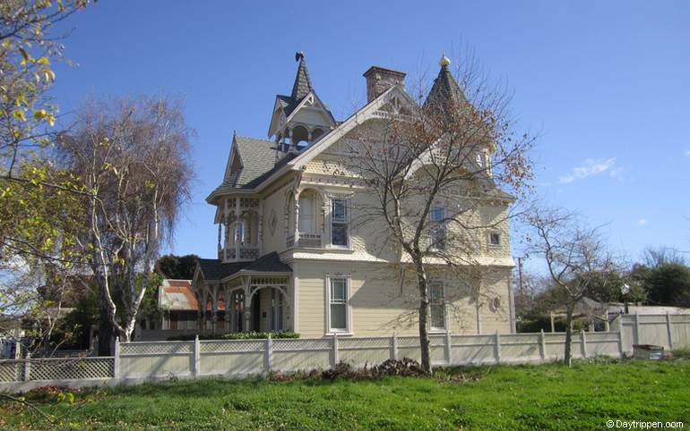 Los Alamos Victorian Mansion Bed & Breakfast