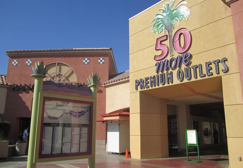 Desert Hills Outlet Mall Palm Springs Day Trip