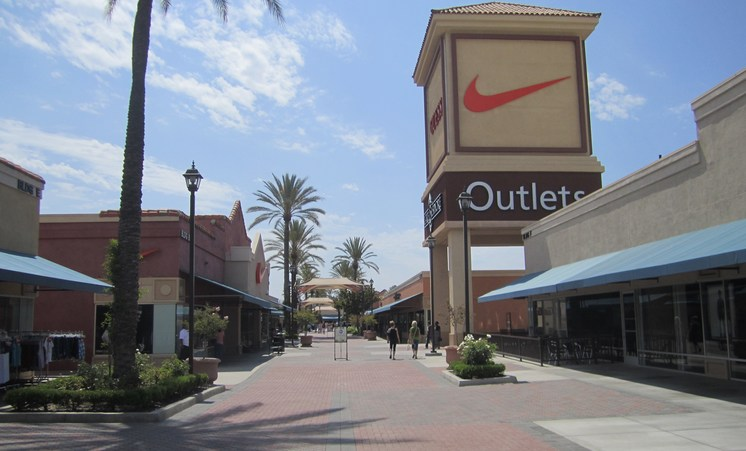 Gap Outlet Clothing LAKE ELSINORE is a well known brand offering a wide range of clothing items for men, women, and children alike. If looking for a new clothing item, Gap Outlet Clothing LAKE If looking for a new clothing item, Gap Outlet Clothing LAKE.