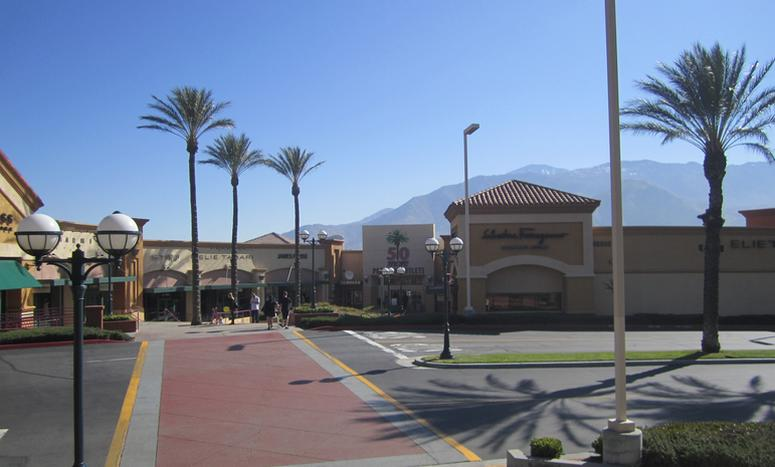 Palm Springs Outlet Mall