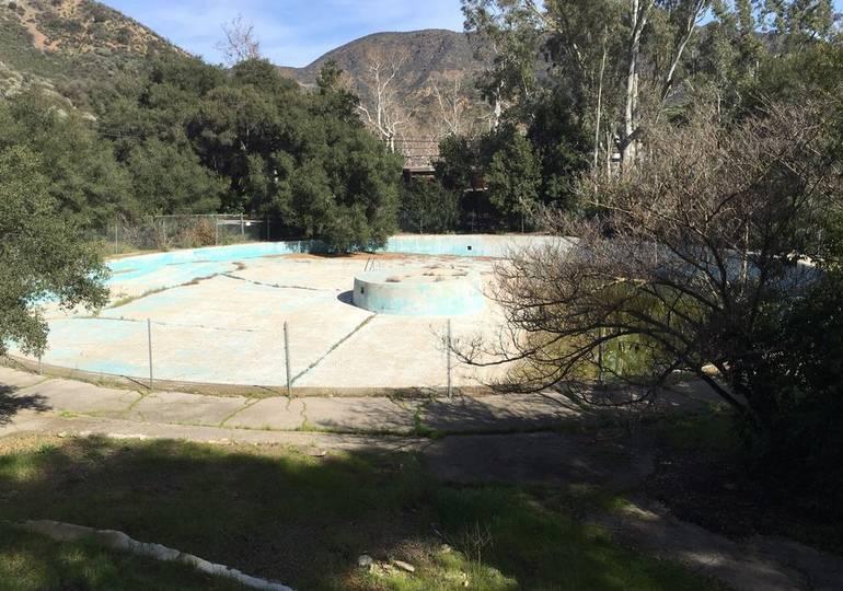 Peter Strauss Ranch LakeEnchanto Pool