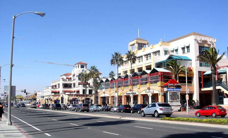Huntington Beach Main Street shopping district