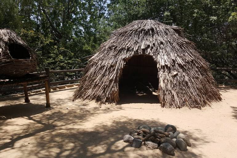 Heritage Hill Historical Park Native Hut