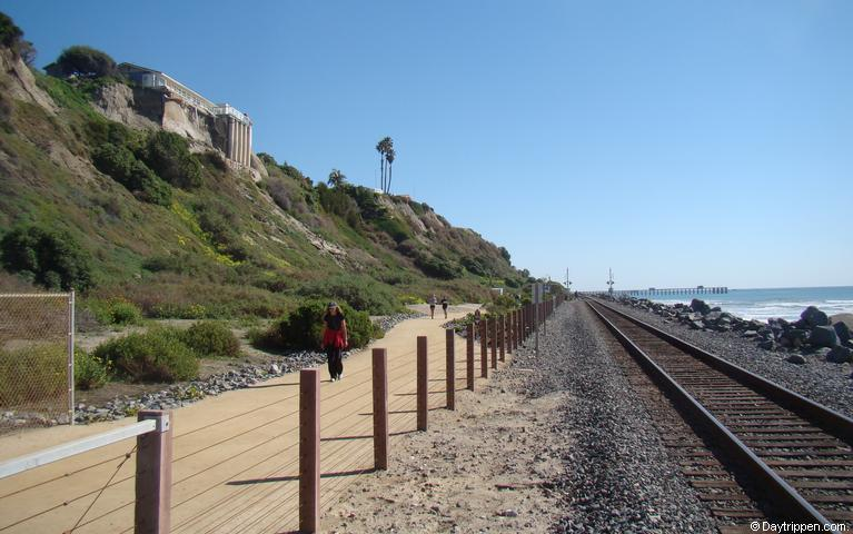 train-tracks-san-clemente-beach-trail