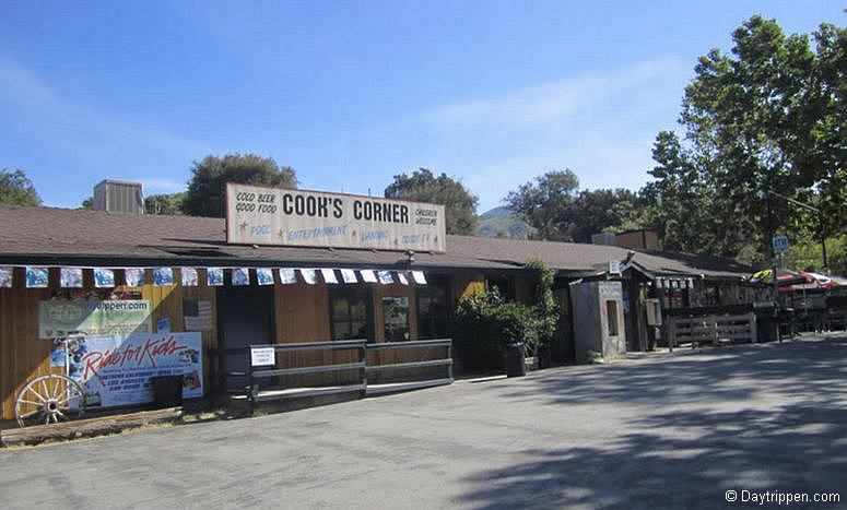 Cooks Corner Orange County Roadhouse