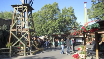 Knott's Berry Farm Christmas Craft Fair Free Admission