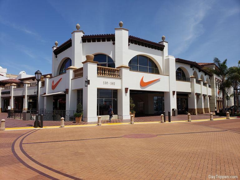 Main Entrance Outlets San Clemente