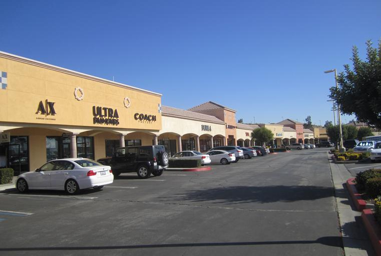 Desert Hills Outlet Mall