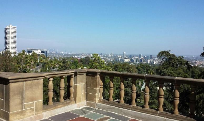 Greystone Mansion Terrace