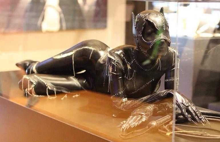 Warner Bros. Studio Tour Hollywood Bat Woman