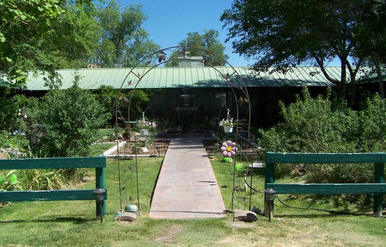 Benton Hot Springs Inn