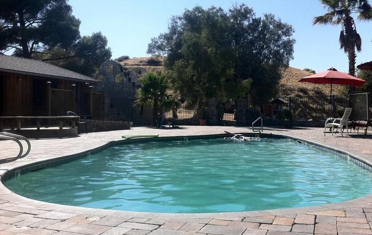 Mercey Hot Springs Mineral Pool