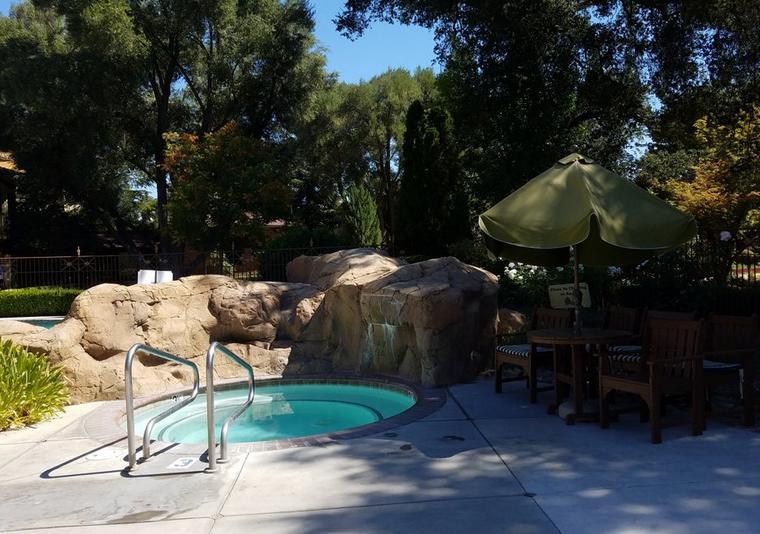 Paso Robles Inn Pool Area