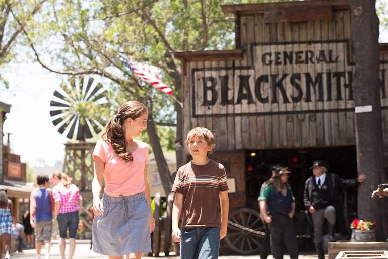 Knott's Berry Farm Mother's Day