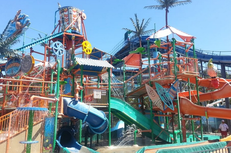 California's Great America Boomerang Bay Water Park