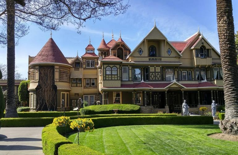 Winchester Mystery House Roadside Attraction